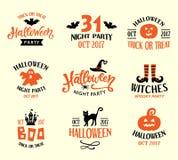 Шаблоны логотипа хеллоуина, установленные значки Рукописная литерность чернил и нарисованные рукой Doodles шаржа Стоковое Фото