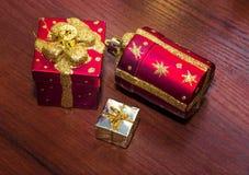 Шаблон для открытки с игрушками рождества Справочная информация Стоковая Фотография RF