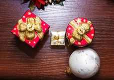 Шаблон для открытки с игрушками рождества Справочная информация Стоковые Изображения