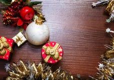 Шаблон для открытки с игрушками рождества Справочная информация Стоковая Фотография