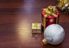 Шаблон для открытки с игрушками рождества Справочная информация Стоковое Фото