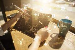 Шаблон для текста, предпосылки виртуального экрана с значками Дело, технология интернета и концепция сети стоковые изображения