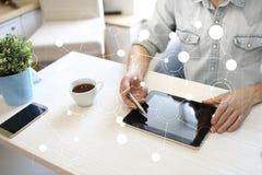 Шаблон для текста, предпосылки виртуального экрана с значками Дело, технология интернета и концепция сети стоковые фото