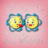 Шаблон поздравительной открытки дня ` s валентинки с 2 целуя смайликами атома и текст моя валентинка на розовой предпосылке Стоковое фото RF