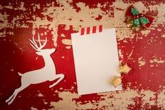 Шаблон взгляд сверху бумажной карточки оленей рождества стоковое изображение rf