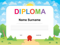 Шаблон дизайна предпосылки сертификата диплома детей Стоковые Фотографии RF
