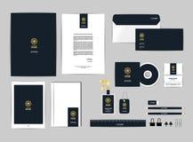 Шаблон фирменного стиля для вашего дела включает крышку КОМПАКТНОГО ДИСКА, визитную карточку, папку, правителя, конверт и голова  иллюстрация штока