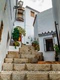Шаги андалузской деревни, Frigiliana стоковые фотографии rf