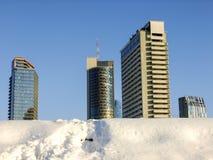 Шаги водя к высоким небоскребам в Вильнюсе стоковые фото