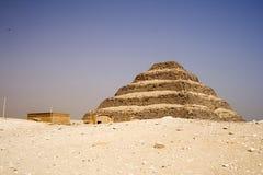 шаг пирамидки djoser стоковое изображение rf