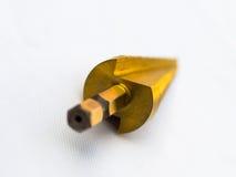 Шаг стали HSS резца отверстия бурового наконечника конического сверла Titanium Селективный фокус с низкой глубиной поля стоковое фото rf