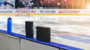 Шайба хоккея на льде стоковое изображение