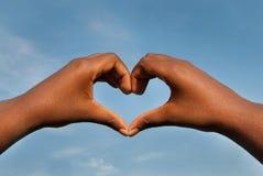 Шайки бандитов в форме сердца с предпосылкой неба Стоковое Изображение RF