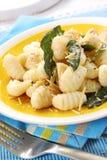 шалфей картошки gnocchi масла стоковое фото rf