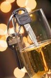 шампанское надевает ключей привода t питья Стоковое Изображение RF