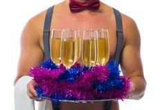 шампанское сервировки бармена в Новом Годе Стоковое Фото