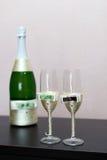 шампанское украсило декоративные стекла цветка wedding Стоковое Фото
