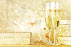 Шампань и подарки стоковые фотографии rf