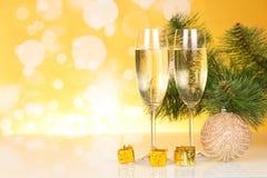 Шампань и рождественская елка Стоковые Фотографии RF