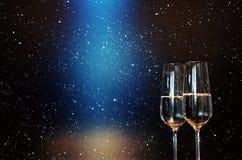 Шампань с голубой фарой стоковая фотография rf