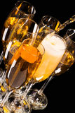 Шампань льет внутри стекло Стоковое Изображение