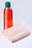 Шампунь, полотенце Стоковое фото RF