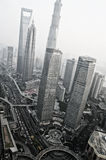 ШАНХАЙ - взгляд NOV. 15,2013 от восточной башни ТВ жемчуга стоковая фотография