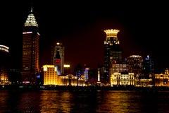 Шанхай на ноче стоковые изображения