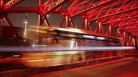 ШАНХАЙ - 10-ОЕ СЕНТЯБРЯ: Timelapse движения на мосте Waibaidu, 10-ое сентября 2013, города Шанхая, фарфора сток-видео
