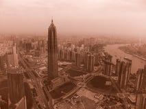 Шанхай, Пудун, взгляд от башни, винтажное влияние стоковое изображение rf