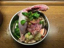 3 шара собачьей еды стоковые фото