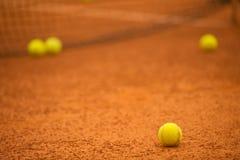 шарики предпосылки яркие - зеленое однотиповое положение больше один теннис Стоковые Фотографии RF