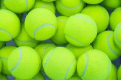 шарики предпосылки яркие - зеленое однотиповое положение больше один теннис Стоковые Изображения