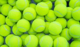 шарики предпосылки яркие - зеленое однотиповое положение больше один теннис Стоковое Изображение RF