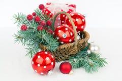 Шарики рождества и ветви ели Стоковая Фотография