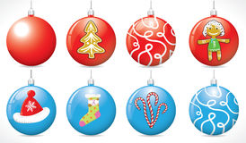 Шарики рождества на рождественской елке красного и голубого цвета Стоковое фото RF