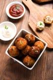 Шарики сыра картошки или croquettes или tikki aloo Стоковое фото RF