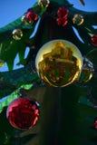 Шарики украшения рождества, красных и желтых Стоковые Фото