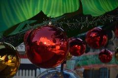 Шарики украшения рождества, красных и желтых Стоковое фото RF