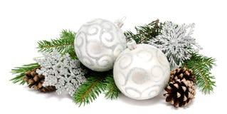 Шарики украшения рождества с конусами ели Стоковая Фотография