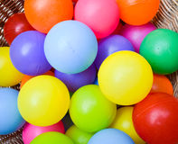 Шарики цвета в корзине Стоковая Фотография RF