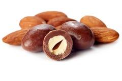 Шарики шоколада миндалины стоковые изображения rf