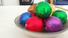 Шарики шоколада в плите Стоковая Фотография