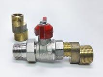 Шариковый клапан, установленный ексцентрик faucet и соединение продетый нитку Стоковое Изображение RF