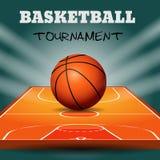 Шарик баскетбола с деревянной предпосылкой суда Стоковое фото RF