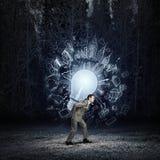 Шарик нося человека Стоковая Фотография RF