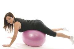 шарик работая женщину тренировки стоковые фотографии rf