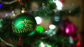 Шарик рождества на дереве акции видеоматериалы
