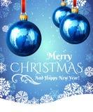 Шарик рождества с снежинками на голубой предпосылке Стоковое фото RF