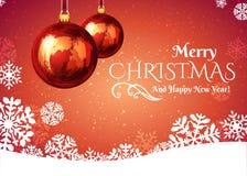 Шарик рождества с снежинками на красной предпосылке Стоковая Фотография RF